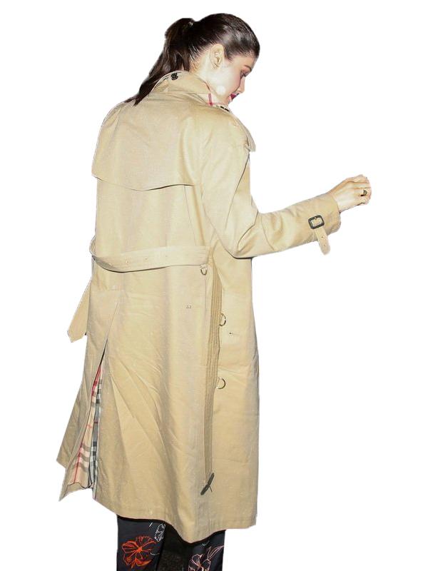 Alexandra-Daddario-NYC-Trench-Coat-